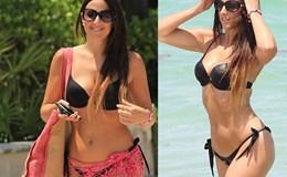 """Siêu mẫu """"cuồng"""" Milan khoe 3 vòng nóng bỏng với bikini """"siêu nhỏ"""""""