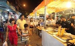 Cận cảnh phố ẩm thực giữa trung tâm Hà Nội