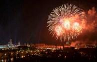 Xem màn trình diễn pháo hoa ấn tượng trong lễ duyệt binh lớn nhất trong lịch sử Nga