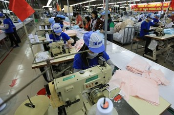 Nhân lực Việt Nam trước cánh cửa TPP: Sắp hết thời của lao động giá rẻ