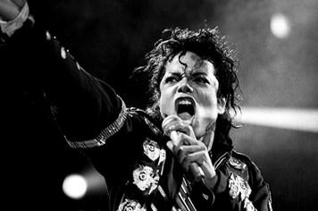 Michael Jackson- Cuộc đời thần tượng