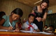 Bỏ biên chế có giúp giáo viên sống được bằng lương?