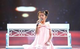 """Vietnam Idol Kids 2017: Cô bé khiếm thị hát """"Em bé bán diêm"""" lấy nước mắt khán giả"""