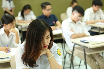 Học sinh nước ngoài được bảo mật điểm thi, tại sao Việt Nam lại công khai?