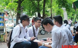 Ngày đầu thi THPT quốc gia 2017: Thí sinh thử sức với môn Văn trong tiết trời mát mẻ
