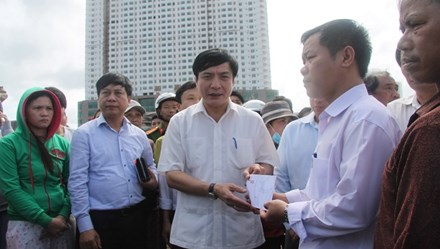 Hỗ trợ khẩn cấp 120 triệu đồng cho các hộ dân tại Nha Trang bị hỏa hoạn