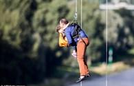 Video: Giải cứu 100 người mắc kẹt trên cáp treo ở Đức