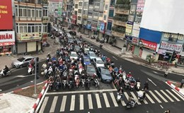 Sổ tay kinh tế: Dị ứng Uber, Grab...