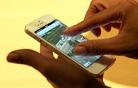 Cận cảnh iPhone 5 với 2 màu đen & trắng