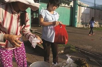 Hậu quả bán sức lao động giá bèo
