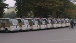 Du lịch phố cổ bằng xe ôtô điện là... trái luật?
