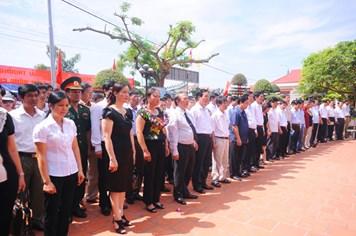 Thăm quê hương đồng chí Nguyễn Đức Cảnh: Tiếp thêm sức mạnh cho công nhân