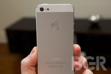 iPhone 5S và iPad 5 có vỏ siêu cứng làm từ kim loại lỏng?