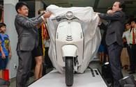 Giá 340 triệu, Vespa 946 vẫn hút khách