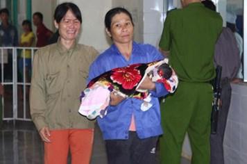 Ba trẻ sơ sinh tử vong tại Quảng Trị: Do tiêm nhầm thuốc gây co bóp tử cung