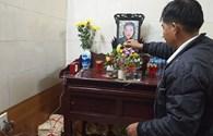 """Vụ lật xe làm 7 người tử vong ở Lào Cai: """"Trước khi đi nước ngoài, chồng em muốn đi lễ…"""""""