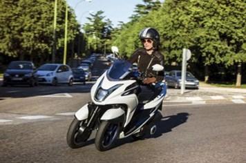 EICMA 2013: Yamaha ra mắt xe ba bánh cực độc