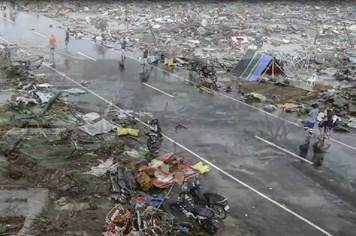 Clip: 220.000 người Tacloban trở lại với cuộc sống thời nguyên thủy