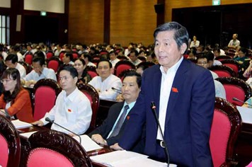 """Bộ trưởng Bộ KH&ĐT Bùi Quang Vinh: Người chia quà bằng... """"kéo"""""""