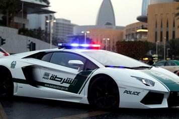 Ngắm dàn siêu xe hàng triệu USD của cảnh sát Dubai