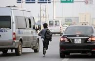 """Dịp áp Tết Giáp Ngọ - 2014: """"Cò"""" vé tàu, xe khách """"dù"""" lại bùng phát"""