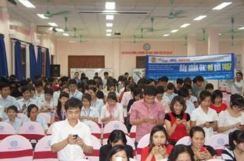 Hơn 960 triệu đồng ủng hộ ngư dân Hoàng Sa, Trường Sa