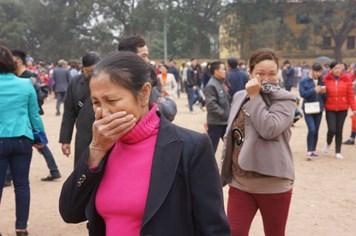 Hội Lim: Bịt mũi, đeo khẩu trang đi chơi hội