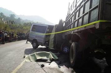 Vụ tai nạn kinh hoàng ở Thanh Hoá: Chủ tịch tỉnh thăm hỏi nạn nhân và người thân