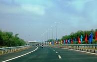 Đường cao tốc đầu tiên của Đông Nam bộ trước ngày thông xe