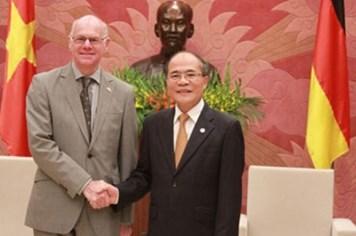 Chủ tịch Quốc hội Nguyễn Sinh Hùng tiếp Chủ tịch Quốc hội Đức Nobert Lammert