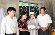 Quỹ Tấm lòng vàng Lao Động trao tiền hỗ trợ tới công nhân bị nạn trong vụ gãy cần cẩu vật tư