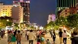 Bán hàng rong làm xấu phố đi bộ Nguyễn Huệ