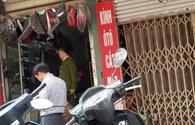 """""""Sờ gáy"""" hàng loạt cửa hàng tại chợ phụ tùng ô tô Hà Nội...chỉ thu được đồ phế thải"""