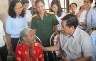 """Nông dân không bán được sữa bò, Bí thư Đinh La Thăng yêu cầu """"bấm điện thoại cho tôi nói chuyện với TGĐ Vinamilk"""""""