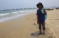 Đà Nẵng: Kiểm tra mẫu nước biển trong vùng xuất hiện xác cá thối rữa
