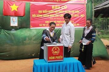 Nghệ An: Hơn 2,1 triệu cử tri đi bỏ phiếu tại gần 4.000 điểm bỏ phiếu