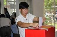 Ngư dân, sinh viên Huế nô nức đi bầu cử