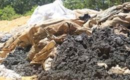 """Vụ chôn lấp hàng trăm tấn chất thải trái phép: Formosa Hà Tĩnh không dễ """"phủi"""" trách nhiệm"""