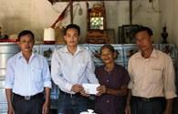 Trao quà cho gia đình liệt sỹ Gạc Ma tại Hà Tĩnh