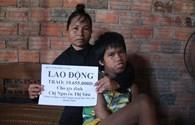 Quỹ Tấm Lòng Vàng Lao Động trao hơn 10 triệu đồng cho đứa trẻ bị chất độc da cam