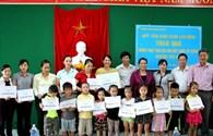 Quỹ Tấm Lòng Vàng Lao Động mang niềm vui đến thầy trò vùng biển Thừa Thiên – Huế