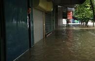 Nghệ An: Mưa to, người dân phải sơ tán vì ngập nước