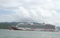 Du thuyền Genting Dream cùng hơn 2.000 khách du lịch quốc tế đến Nha Trang