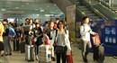 Đón chuyến bay thường lệ đầu tiên từ Hồng Kông đến Cam Ranh
