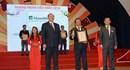 """Manulife nhận liên tiếp hai giải thưởng """"Doanh Nhân - Doanh Nghiệp tiêu biểu"""" 2016"""