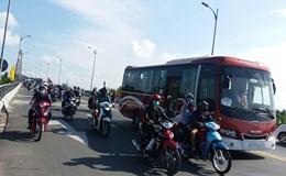 Tiền Giang: Nhiều điểm kẹt xe nghiêm trọng ngày 30.4