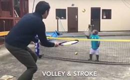 """Con khỉ chơi quần vợt """"siêu"""" như vận động viên gây bão mạng"""
