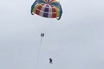 Thái Lan: Du khách 70 tuổi chơi dù lượn tử vong vì rơi từ độ cao 30m
