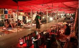 Lang thang trong phiên chợ đêm sắc màu ở Luang Prabang
