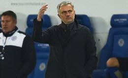 Mourinho cáo buộc các cầu thủ Chelsea phản bội